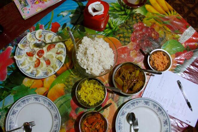looking down on plates of food from a Sri Lankan guesthouse