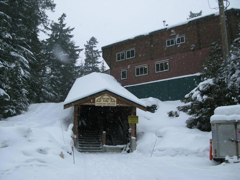Fireside Lodge Whistler hostel exterior