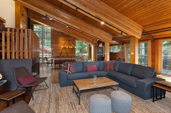 whistler lodge hostel is a good cheap whistler accommodation option
