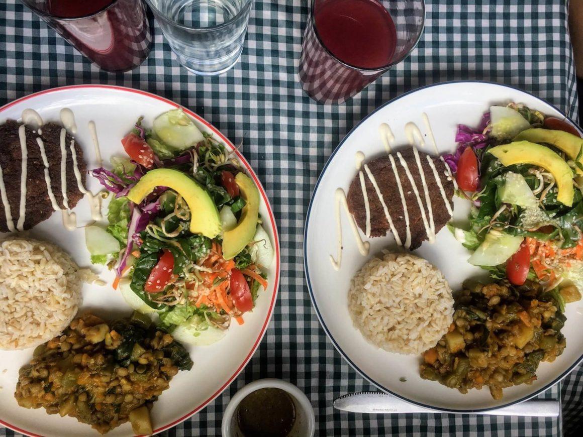 Kim and my lunch plates at Envigado's Casa Antonio's restaurant.