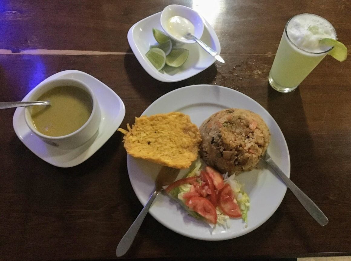 Nuqui rice, soup, and juice from its menu del dia