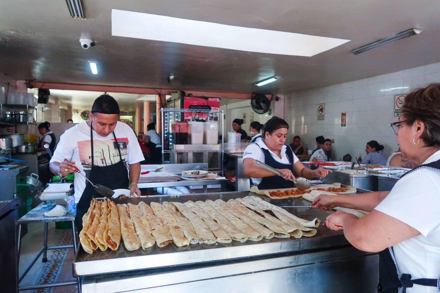 los machetes quesadillas eat like a local in mexico city