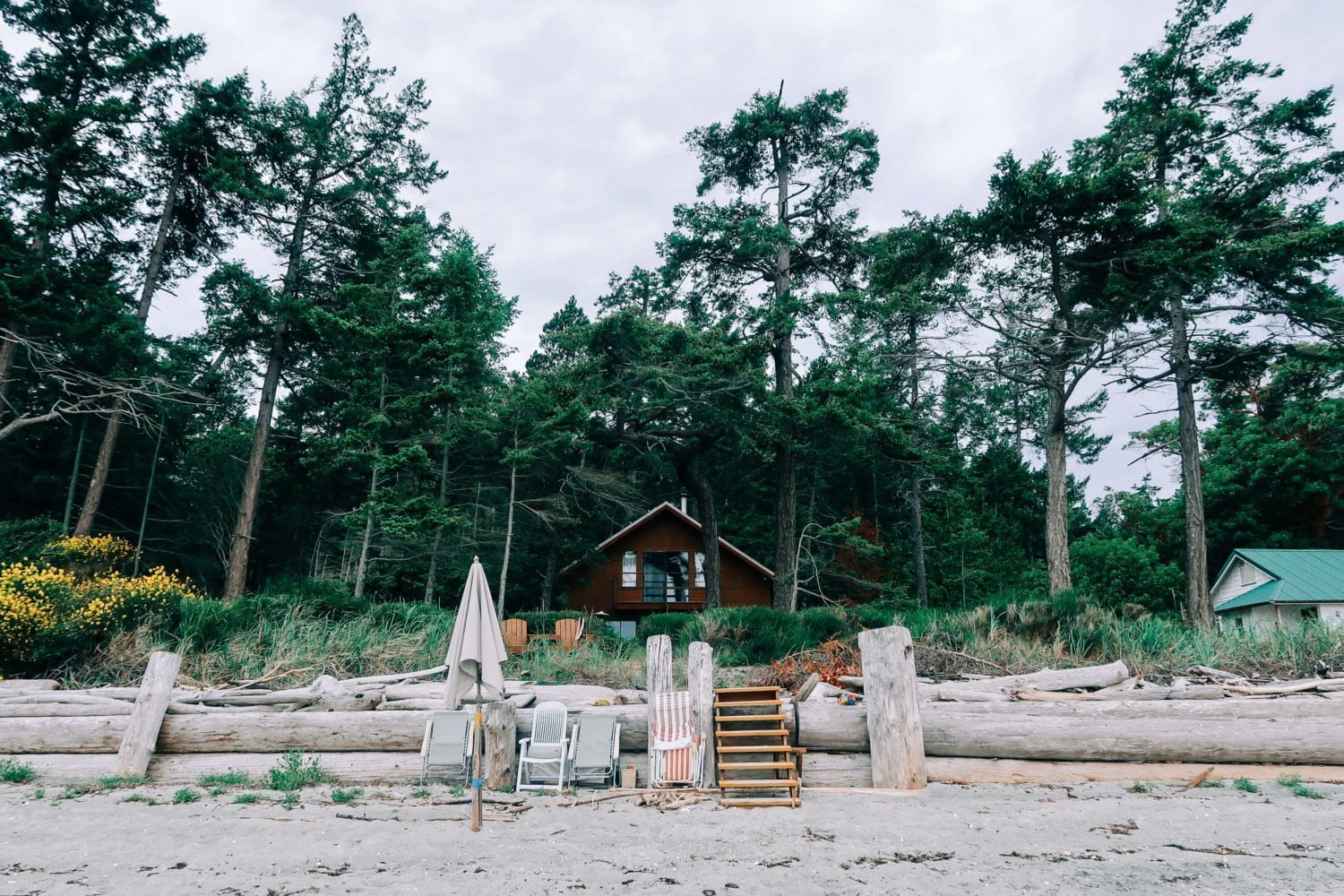 beach house on savary island
