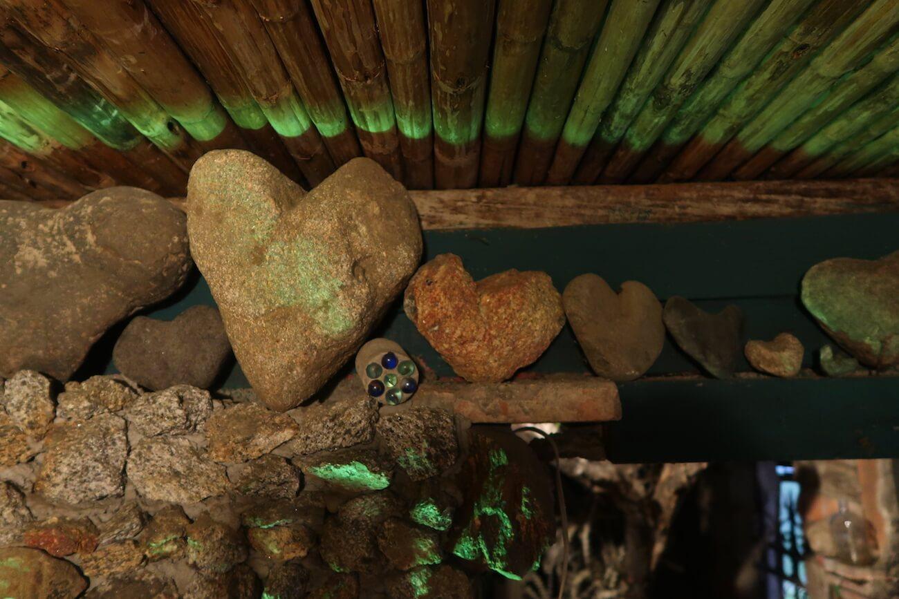 heart-shaped stones in la Casa de las Piedritas