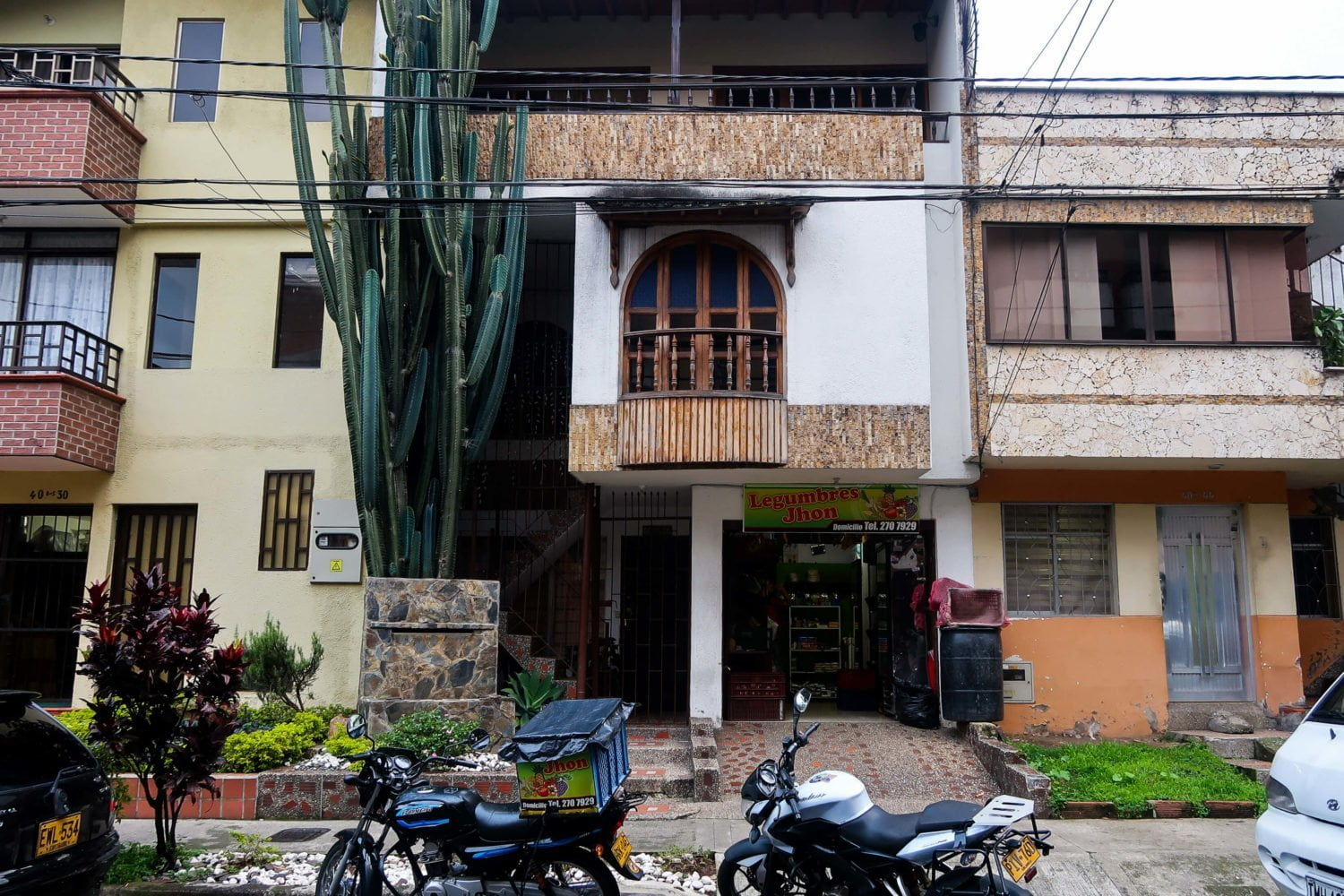 typical 2-3 story house in el dorado envigado medellin