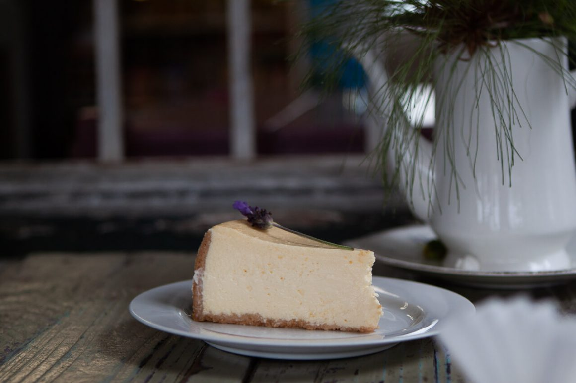 Slice of the best cheesecake in the Garden Route at Hoekwil in Wilderness.