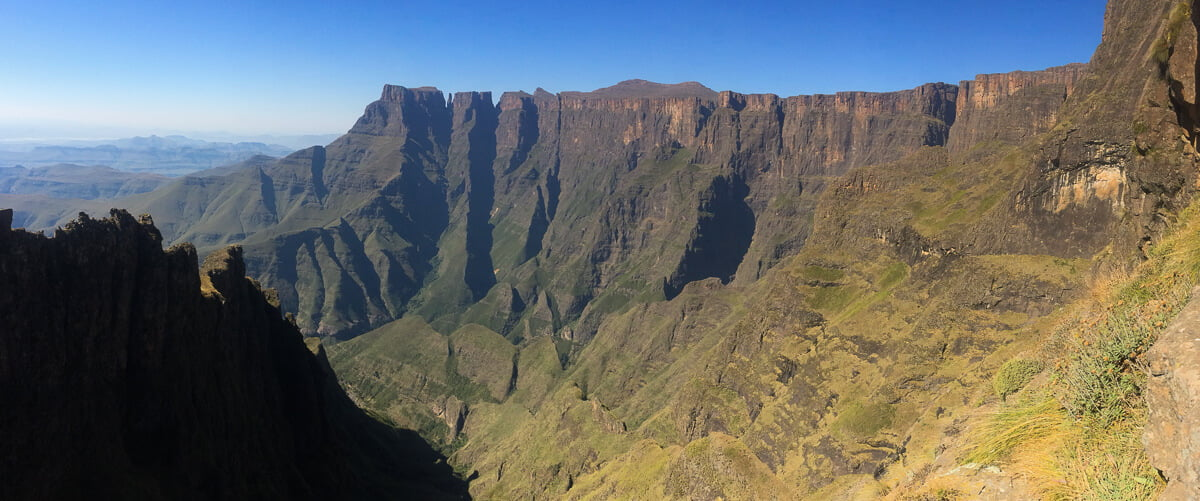 Peek at what lies ahead on the Amphitheatre hike in Drakensberg.