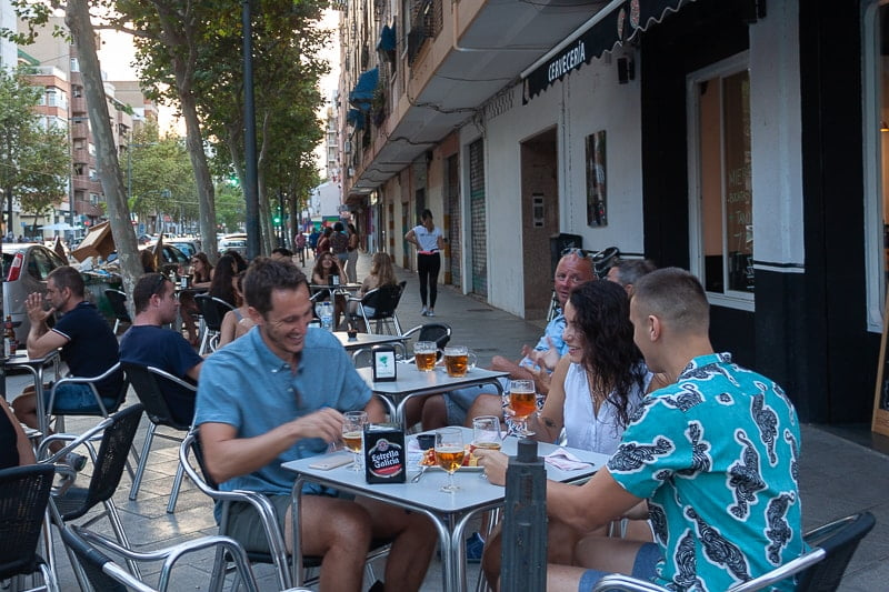 Hanging out with Valencia expats
