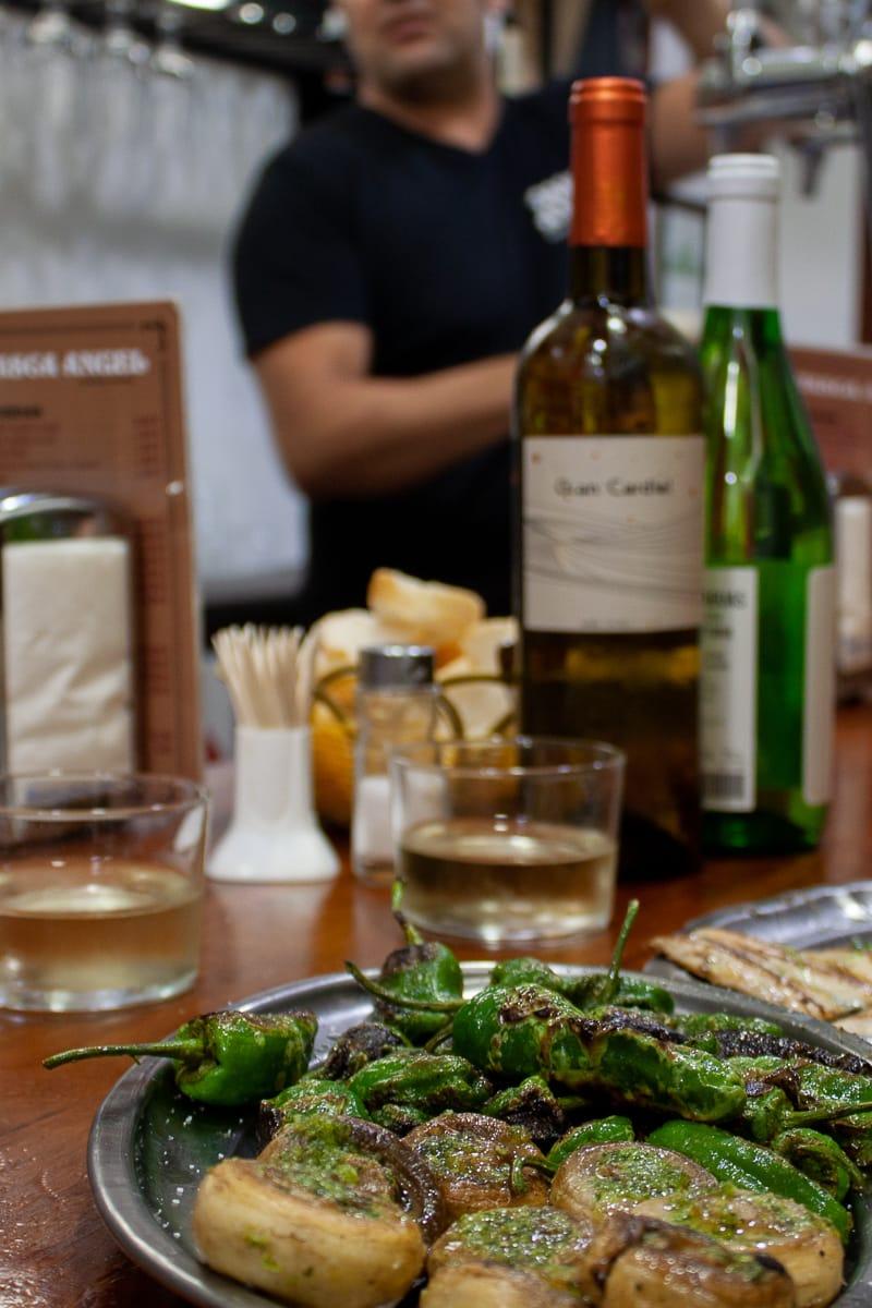 Tapas bar and food in El Carmen
