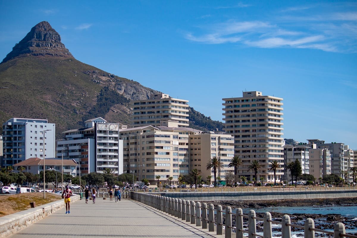 Atlantic seaboard from the seawall with lions head in the background.